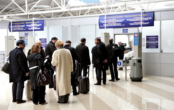 Выехать на работу за рубеж хотят 3 млн украинцев